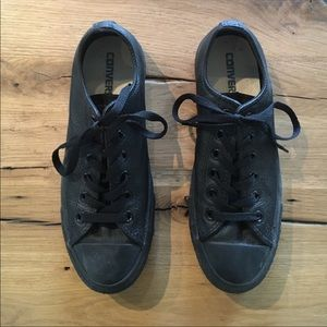Converse black leather size 8 women's /6 men's